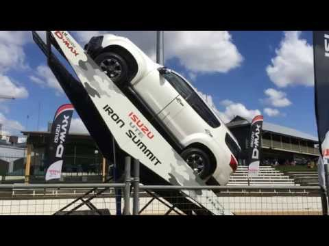 Isuzu Mux Ramp 4×4 Action