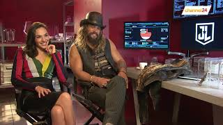 Download Youtube: Gal Gadot (Wonder Woman) and Jason Momoa (Aquaman) talk to Channel24 about The Justice League