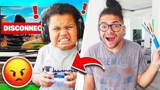 I Made My Little Brother LAG On Fortnite For 24 HOURS!! **1000 PING RAGING MADNESS!!** 😂