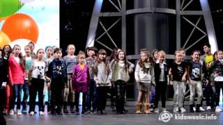 Детский хор Игоря Крутого «Новая волна» — Первоклашки (репетиция Рождественской песенки года 2015)
