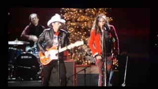 "Steven Tyler & Brad Paisley ""Run Run Rudolph"" (excerpt)"