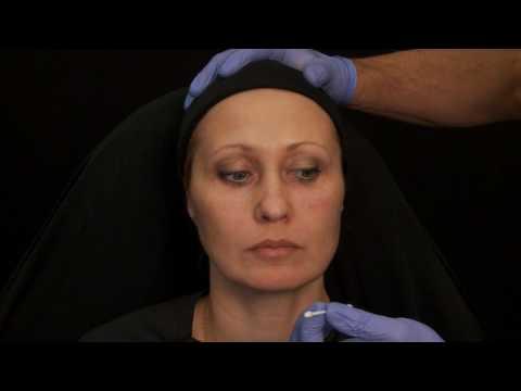 Mariya vej le masque pour la personne