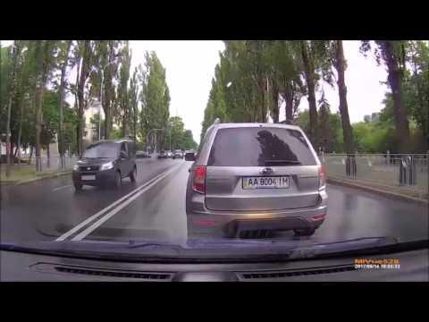 Киевский быдло-гонщик против перцового баллона