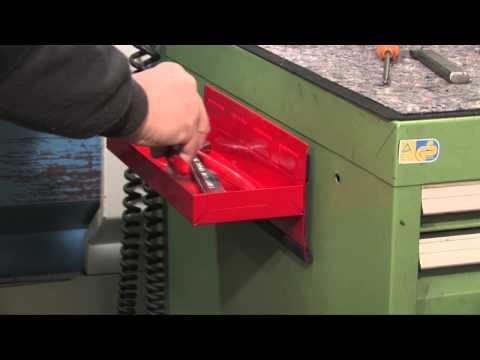 Werkzeugschale mit Magnethaftung; Profis halten Wichtiges griffbereit!