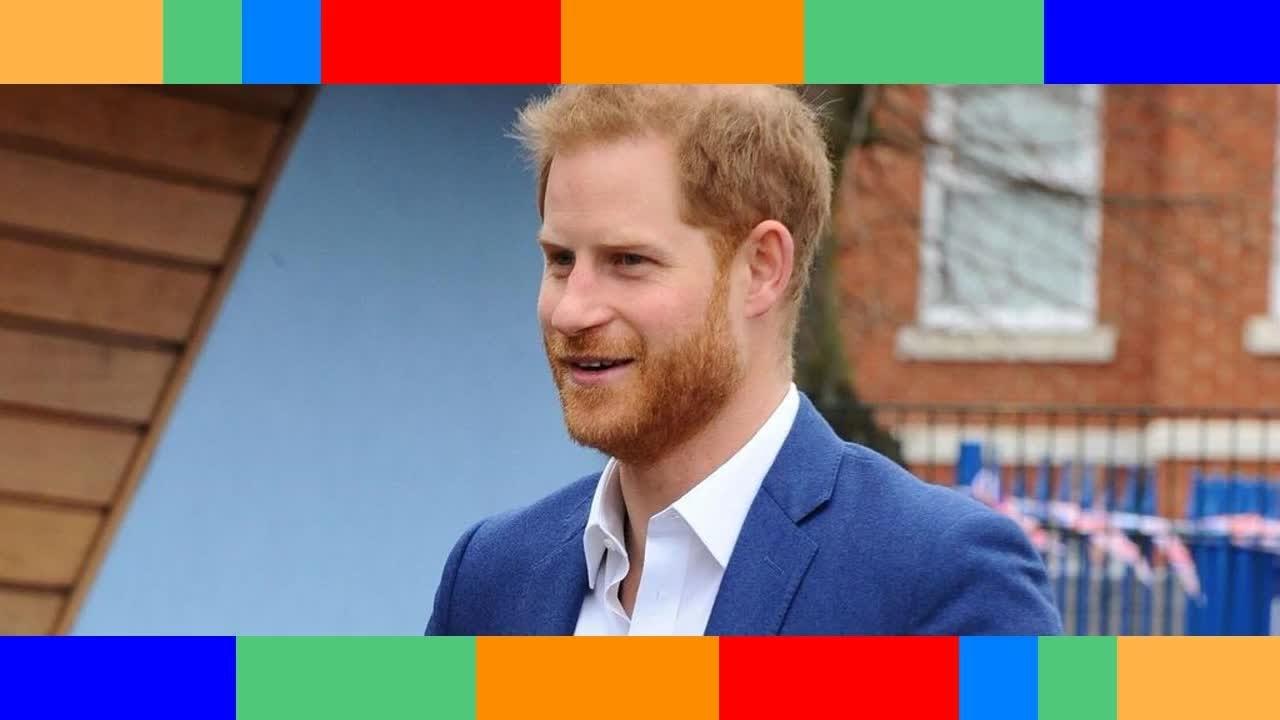 Prince Charles  ce rare et magnifique compliment public qui a de quoi faire tiquer Harry