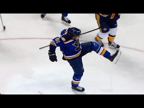 Tarasenko's second goal of the night gives Blues late lead