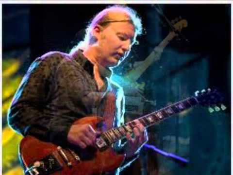 """Allman Brothers Band """"Please Call Home"""" live at The Beacon Theatre"""