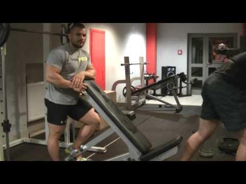 Szkolenia gluteus maximus na siłowni