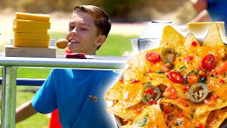 Crazy NACHO CHEESE Obstacle Course Race! 🧀🧀| Universal Kids