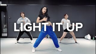 Gambar cover Light it Up (feat. Nyla & Fuse ODG)[Remix] - Major Lazer / Beginner's Class