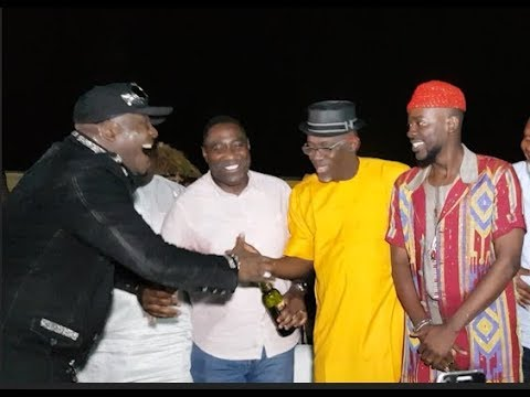 See How Odunlade Adekola Ushers Ayuba, Adekunle Gold,Shina Peters At ARIYA REPETE 2018