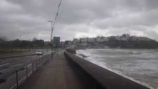 preview picture of video 'Sea waves crashing in over Torquay sea-front - Monday 3rd February 2014'
