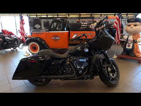 2021 Accessorized Harley-Davidson® Road Glide® Special Vivid Black
