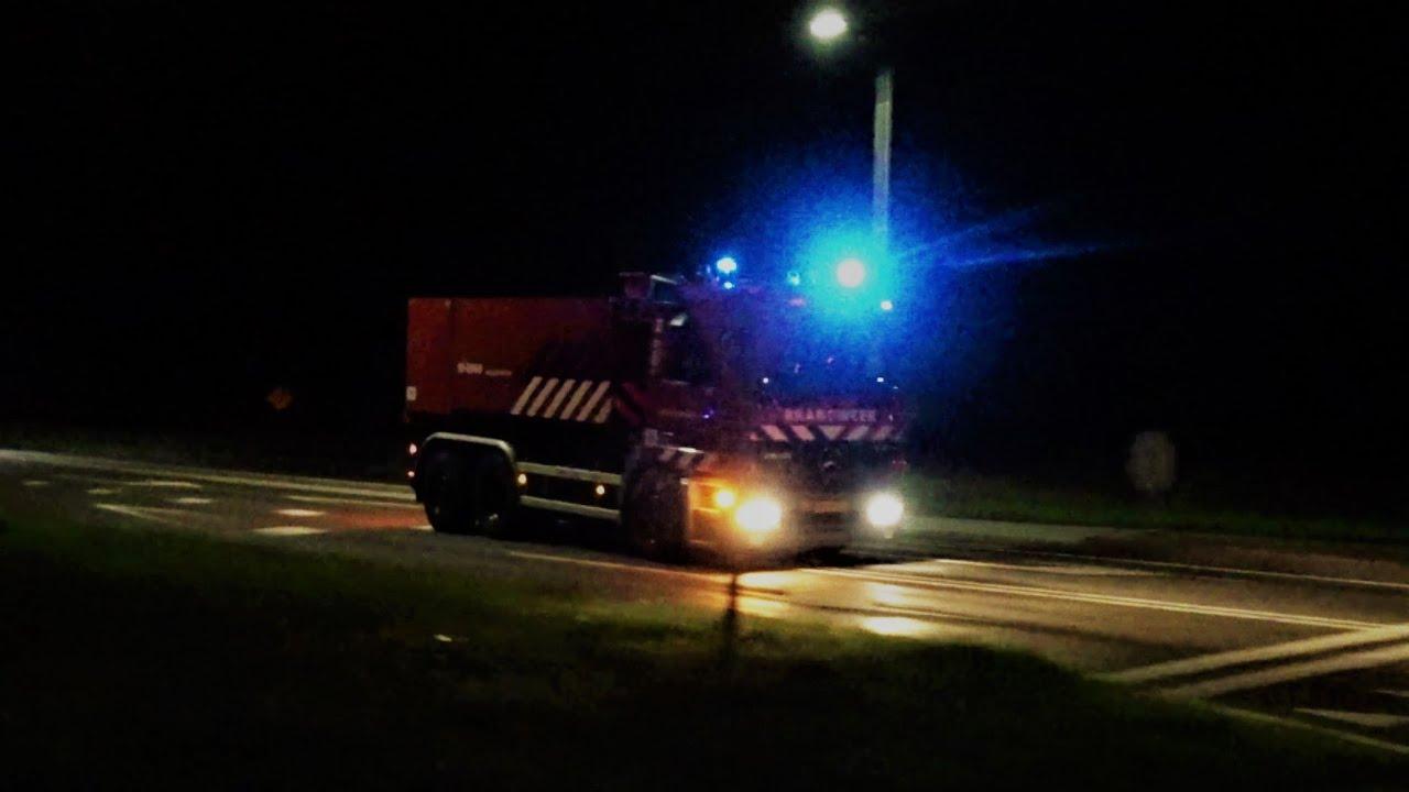 Brandweer Goes AL 19-4950 & WTH 19-8981+19-8960 met spoed naar zeer grote brand in Sint-Maartensdijk