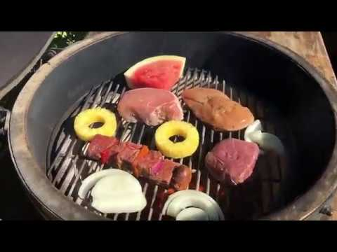 The Battle of Kamado – Grilled Meat and Fruit - Char-Broil vs. Green Egg