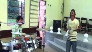 preview picture of video 'Yo te busco ( En la Iglesia de ITAGUA )'