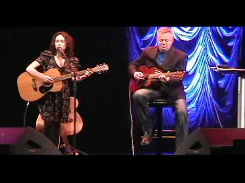 Mikaela Dewar & Tommy Emmanuel at The Moody Theater