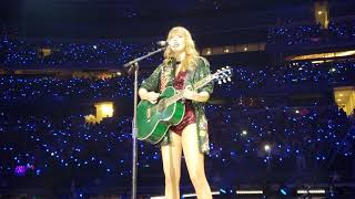 """Taylor Swift Sings """"White Horse"""" in Dallas, Texas!"""