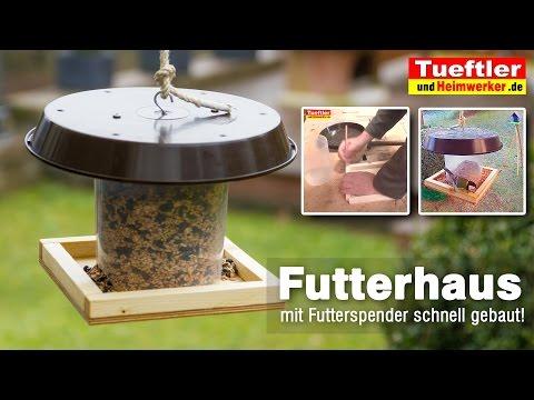 Vogelfutterhäuschen mit Futterspender flott gebaut