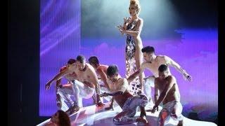 HouseTwins feat. Courtney, Risky, Μηδενιστή & Tamta-Rythm Is A Dancer/ Σ΄αγαπάω (VMA 2013)