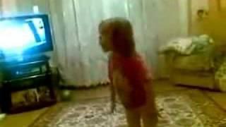 Дочь ругает свою маму потому что она её ругала как то на кухне