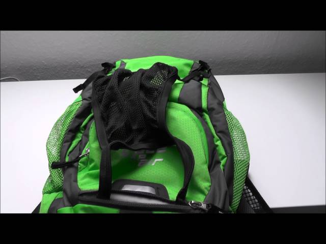 Видео Велосипедный рюкзак Deuter RACE EXP AIR petrol-arctic