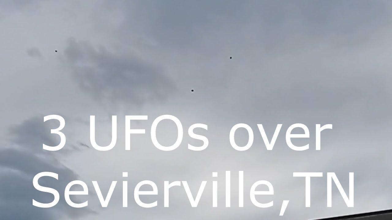 Formación de 3 ovnis filmados en Sevierville, TN, el 7 de junio de 2021