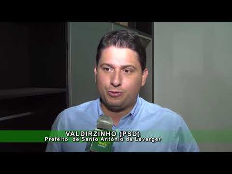 SANTO ANTÔNIO - Prefeito assina decreto que recompõem e aumenta salários de servidores municipais