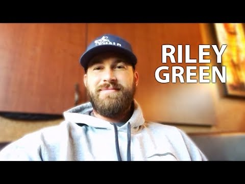 Riley Green Talks 'There Was This Girl', Opry Debut & 'In Love By Now' (Exclusive Interview)