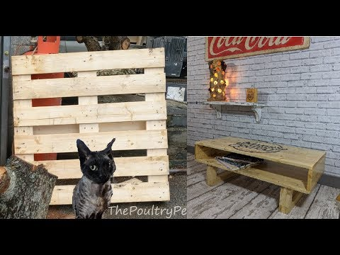Make a Pallet out of a Coffee Table - Makers Central 2019