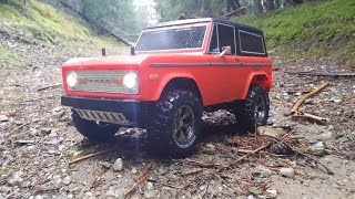 preview picture of video 'Tamiya CC01 Ford BRONCO rainy forest'