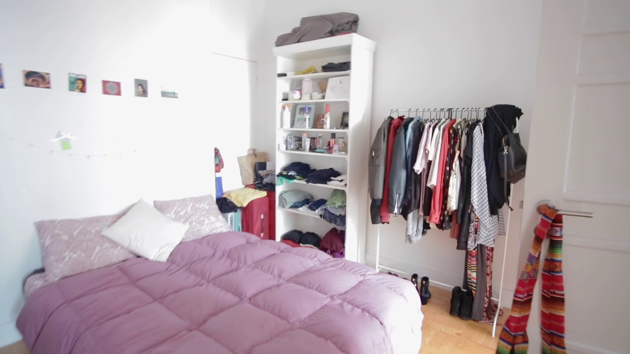 Double bed in Furnished rooms for rent in spacious 10-bedroom apartment in Arroios