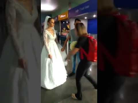 "Vestida de noiva, mulher ""foge do altar"""