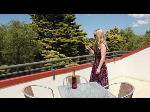 mp4 Leisure Inn Blue Mountains, download Leisure Inn Blue Mountains video klip Leisure Inn Blue Mountains