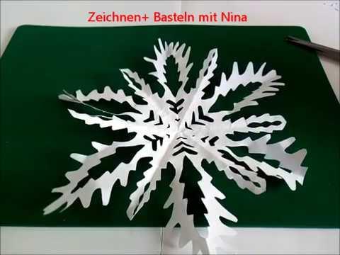 Schneesterne oder Schneeflocken aus Papier schneiden | Basteln & Gestalten
