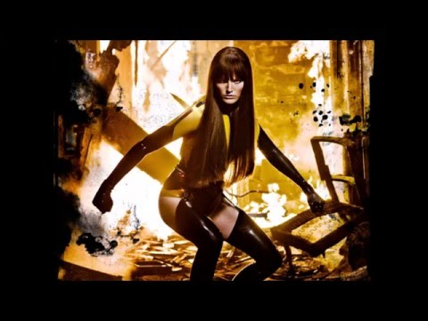 10 Sexy Silk Spectre 2 HD Photos in Under 60 Seconds