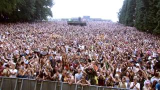 Gambar cover The Wailers - Three Little Birds / One Love (Live at Boomtown Fair 2014)