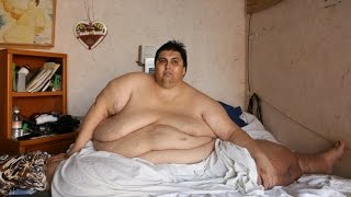 FATTEST MAN IN THE WORLD: Unbelievable weight of over HALF TON