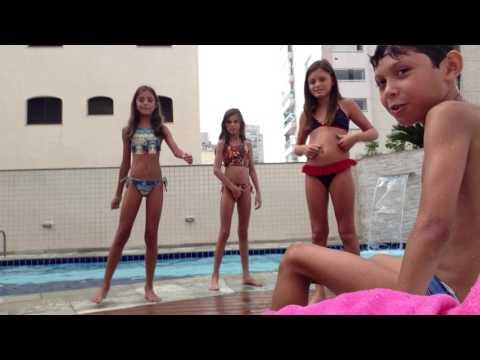 Desafio fale qualquer coisa na piscina com o nosso irmão raphael!