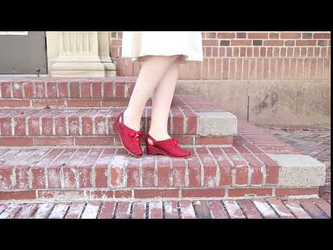 Daphne Retro Wedge Sandals (Red)