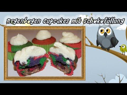Regenbogen Muffins mit Schokoüberraschung und Frischkäse-Buttercreme