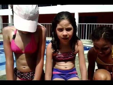 Tipos de criança na piscina