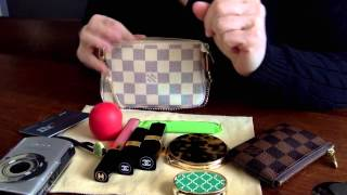 What fits in the Louis Vuitton Mini Pochette (Requested)