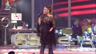 İzel   Düşer O Beyaz Show 04 05 2012