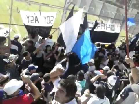 """""""La Banda De Merlo Ya Llego"""" Barra: La Banda del Parque • Club: Deportivo Merlo"""
