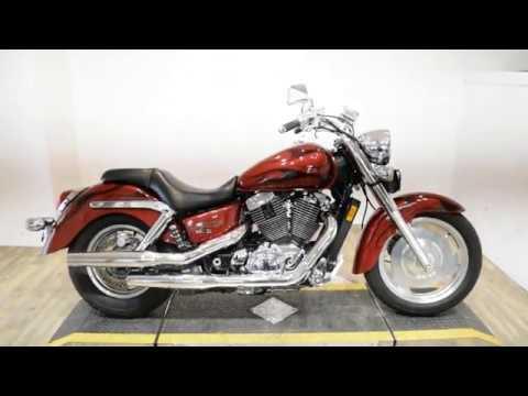 2002 Honda Shadow Sabre 1100 in Wauconda, Illinois - Video 1
