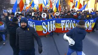 Thousands of Romanians march for #rEUnification in Alba Iulia, marking the country's Centenary