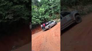preview picture of video 'ทางขึ้นเขาคิชฌกูฏ รอยพระพุทธบาท จันทบุรี'