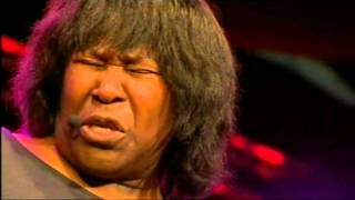 Joan Armatrading live @ cambridge folk festival 2012 - Woman in love HQ.