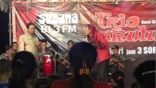 preview picture of video 'Roadshow trio burullu radio suzana 91.3 FM @lapangan Pacar Keling (part.2)'